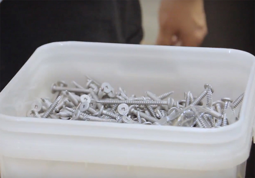 What Are Metal Roof Fasteners and Rivets: Fasteners in Container