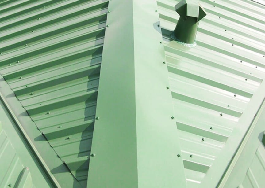 Standing Seam vs Exposed Fastener Metal Roofing: Which is Better: No Seaming