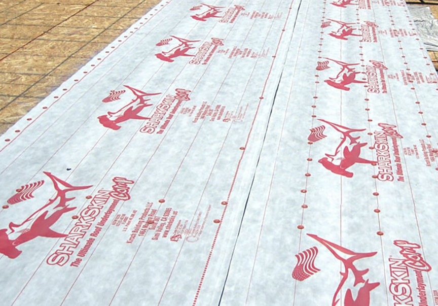 Synthetic vs. Felt Underlayment for Metal Roofing: Which is Best: Synthetic Underlayment